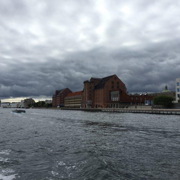 Kopenhaga ir joje pakerėjusi architektūros ir vandens santara